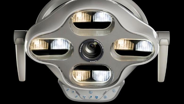 Videocamere integrate nelle lampade operatorie