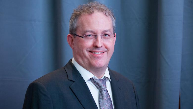 """Il dott. Struillou, nuovo Presidente dell'EFP, su COVID-19: """"Rimani positivo e sicuro"""""""