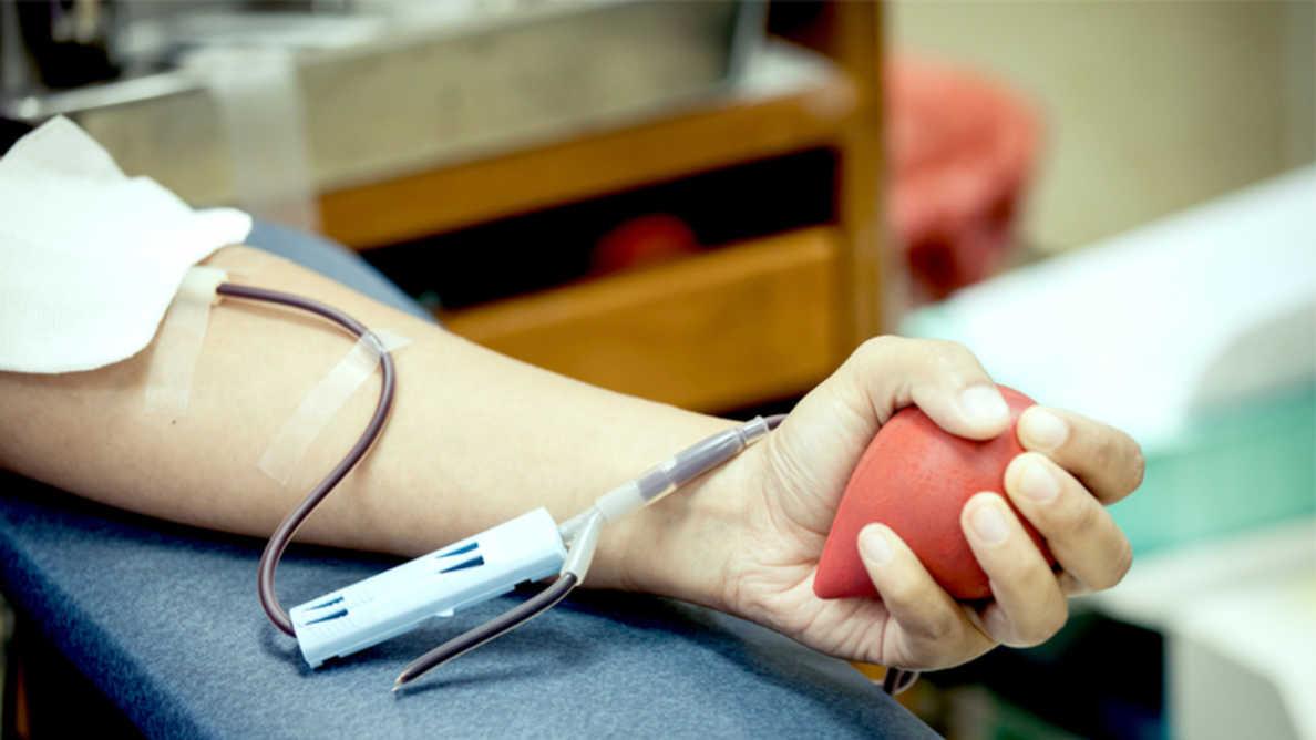 La parodontite aumenta il rischio di batteri nel sangue donato